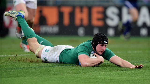 Ireland's Tommy O'Donnell scores their second try