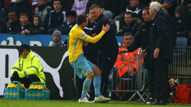 Leicester boss Nigel Pearson tangles with Crystal Palace midfielder James McArthur