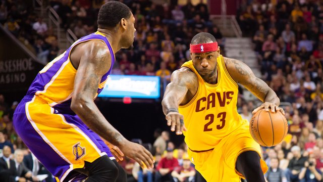 Lebron James on the attack against the Lakers