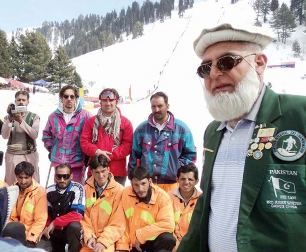 Matee Ullah Khan (right)