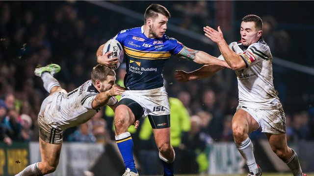 Tom Briscoe scores the Super League Show's Try of the Week in Leeds Rhino's 38-6 win over Widnes Vikings
