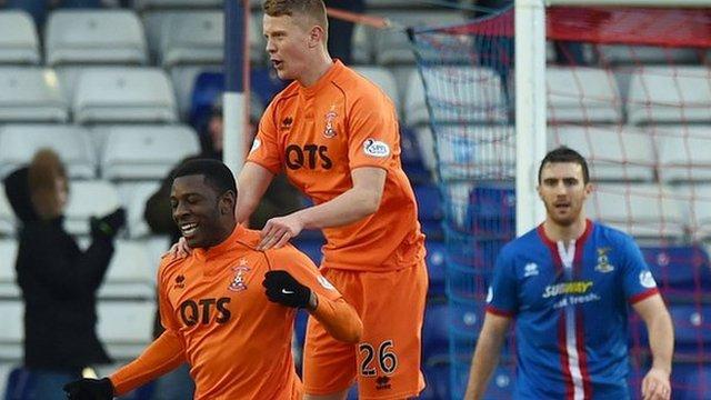 Tope Obadeyi celebrates Kilmarnock's third