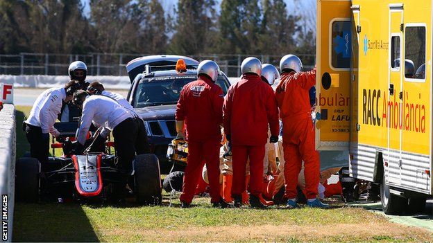 BBC Sport - Fernando Alonso: McLaren driver concussed after crash