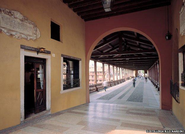 Old grapperia on the bridge (Nardini)