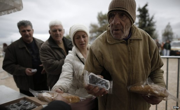 Handout of olives and bread in Athens (23 Feb)