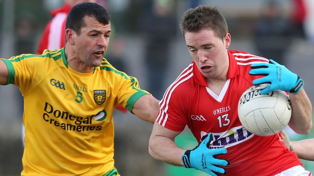 Donegal's Frank McGlynn is about to challenge Cork's Colm O'Neill in Ballyshannon