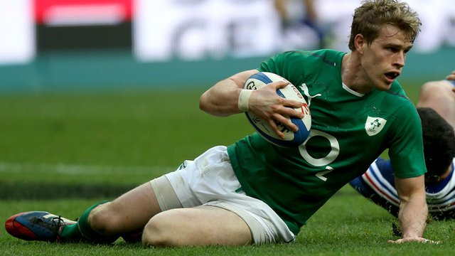 Andrew Trimble scores a try against France