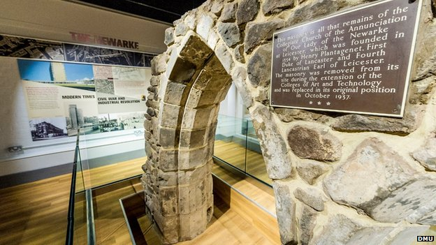 Hawthorn Arches