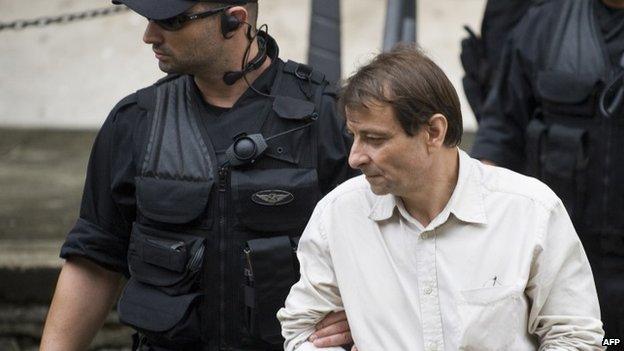 Battisti under arrest, 2009