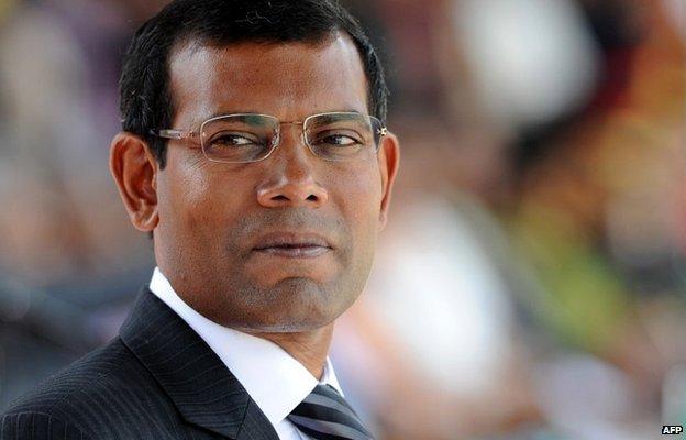 Mohamed Nasheed attends a military parade in the central Sri Lankan town of Diyatalawa - 27 December 2011