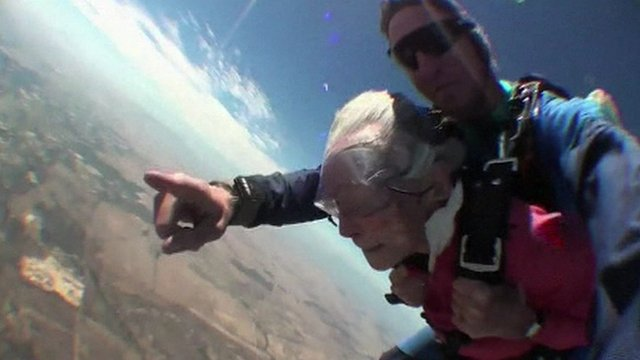 Georgina Harwood and her instructor mid skydive