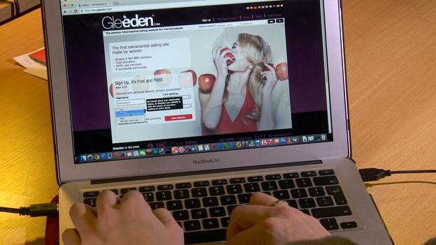 Screenshot of Gleeden website