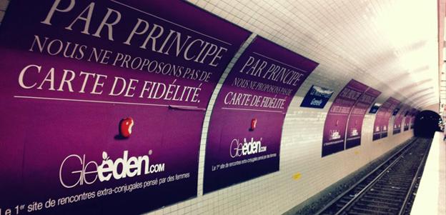 Gleeden advert on Metro
