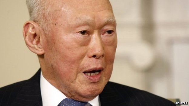 Singapore's Lee Kuan Yew, in this 29 October 2009 file photograph