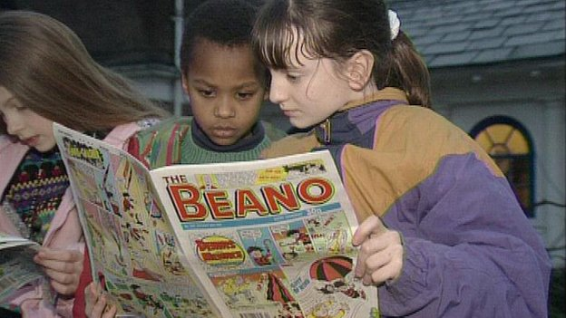 Children reading The Beano