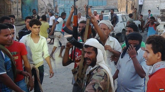 Supporters of President Hadi in Aden