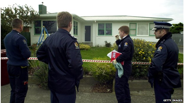 Police at the Lundy house in Palmerston North (February 2001)