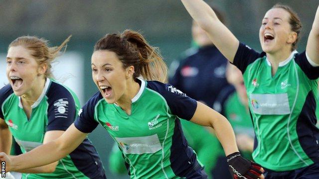 Ireland's women's hockey players celebrate winning World League Two