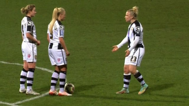 Notts County Ladies players' trick free-kick