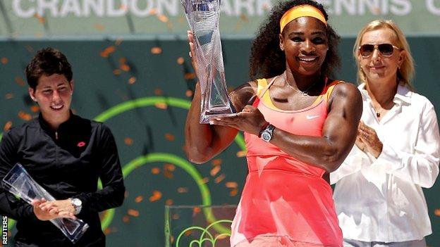BBC Sport - Serena Williams beats Carla Suarez Navarro to win Miami Open