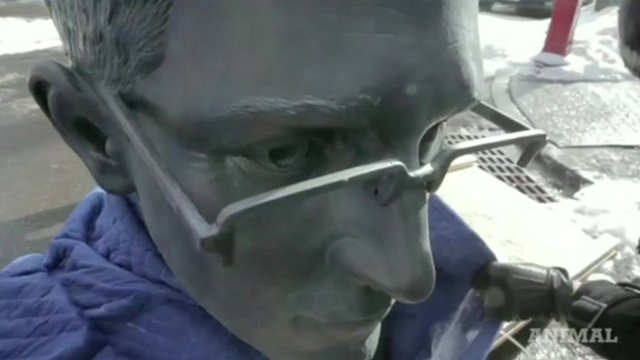 Close up of bust of Edward Snowden smuggled into a New York park by anonymous artists