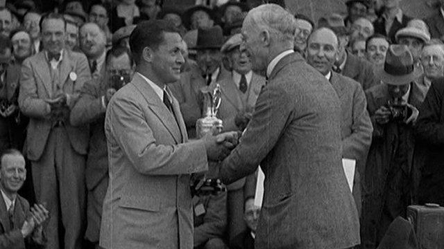 Bobby Jones wins the Open in 1930