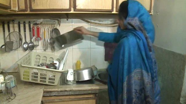 Pakistani servant
