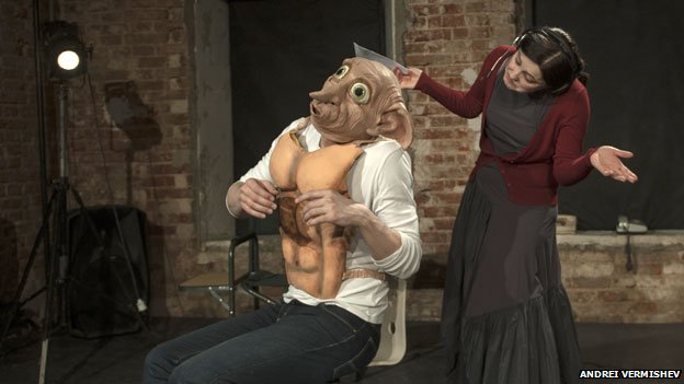 The Dobby mask in BerlusPutin