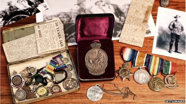 Service medals, photographs and newspaper clippings from an Anzac veteran