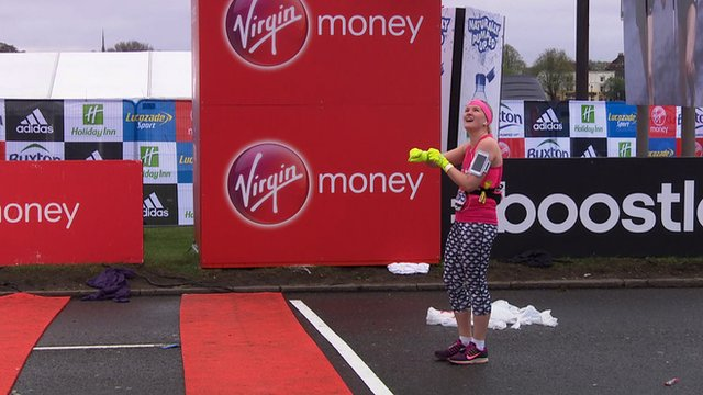 London Marathon: Latecomer gets own private start