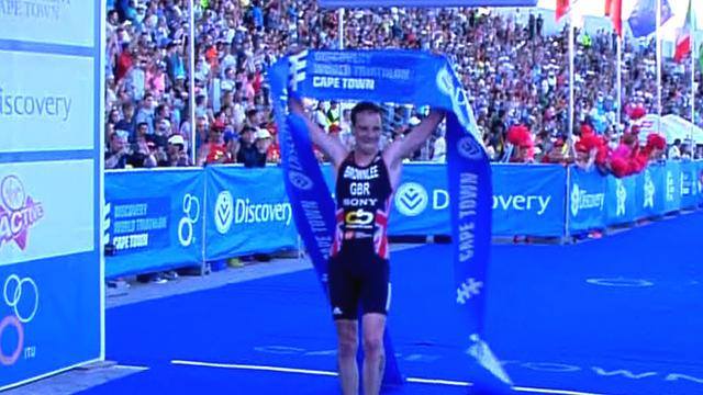 Alistair Brownlee wins South Africa triathlon despite fall