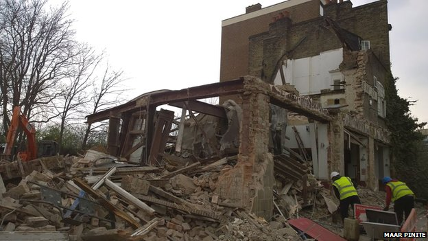 Carlton Tavern during demolition