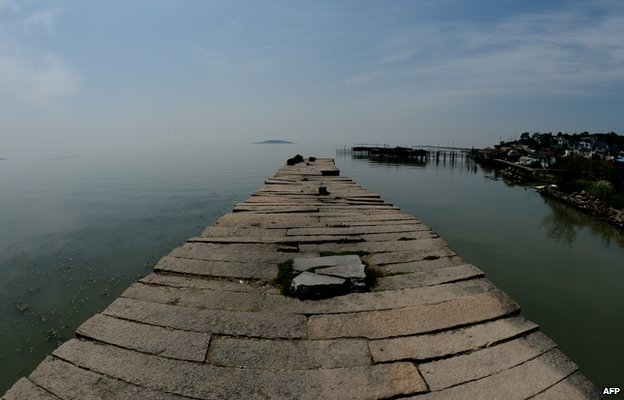 A pier at the Lake Tai close to the city of Suzhou