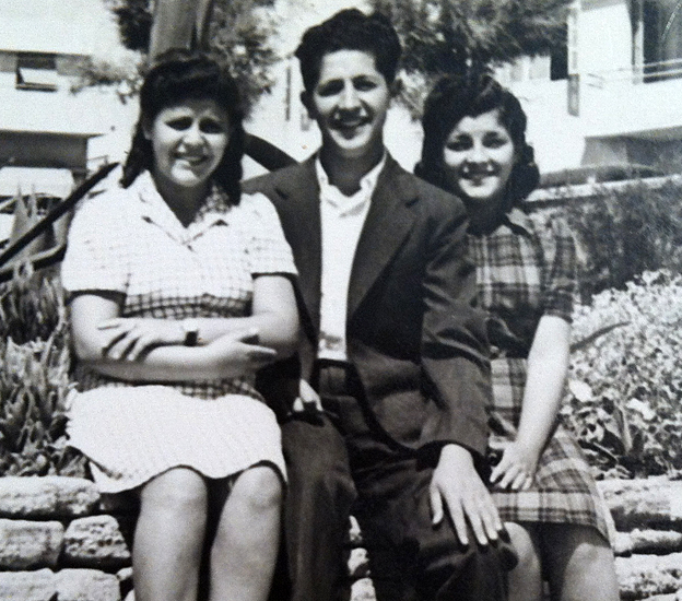 Hana Katz (left) with her brother Israel soon after they were reunited