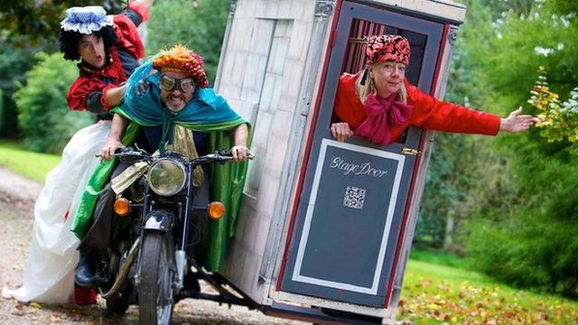 The Smallest Theatre in the World and its performers