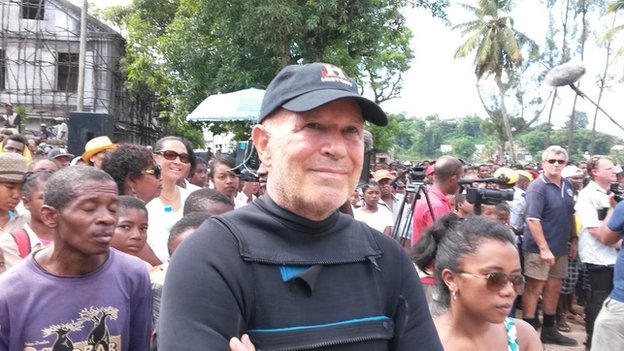 Barry Clifford at ceremony on Sainte Marie island