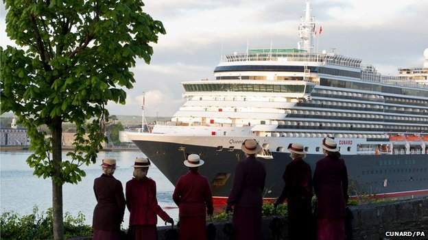 Passengers from the Cunard ship Queen Victoria