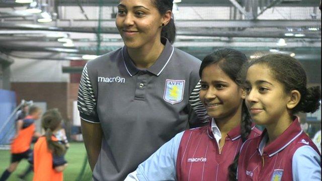 Jade Richards with Pratibha and Aveka Singh