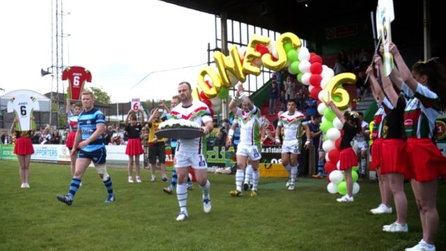 Keighley Cougars pay tribute to late stand-off Danny Jones