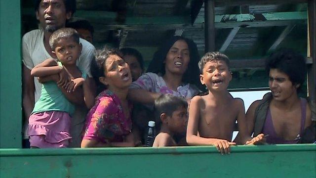 Myanmar migrants on boat