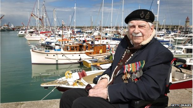 veteran Ted Oates sits on the harbour wall