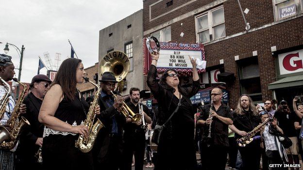Musicians pay tribute to blues musician BB King