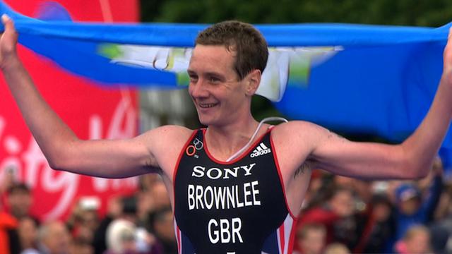 World Triathlon Series: Alistair Brownlee wins easily in London