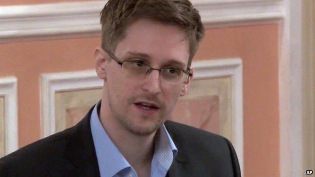 Snowden speaks in Moscow