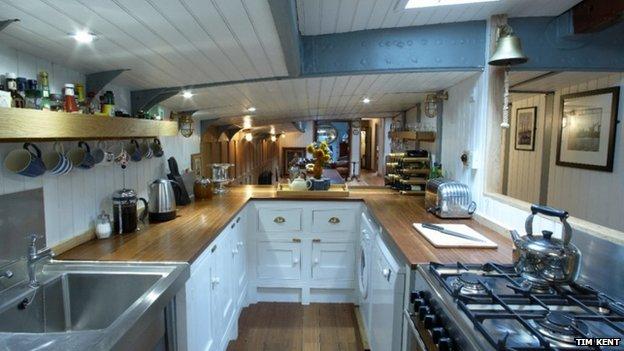 Galley kitchen, Xylonite
