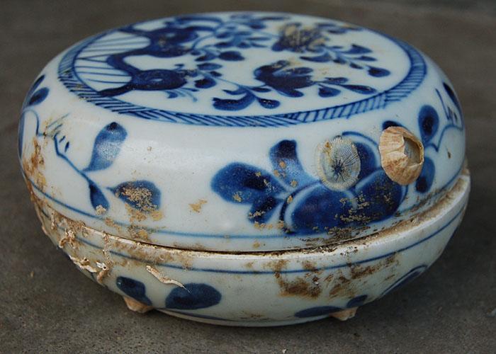Ming ceramic