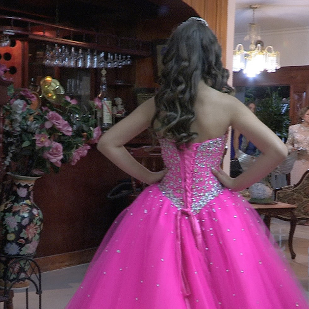 Massiel shows off her dress for the first time