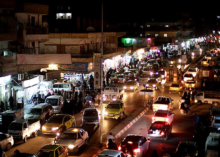 Daily life - bustling streets<br />(from an IS photo report, Tabqa, 17 July 2015)