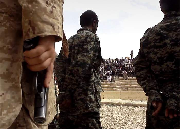 Syrian soldiers before their execution at Palmyra<br />(from an IS video published July 2015)