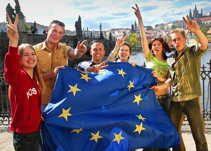 Young Czechs in Prague celebrate joining the EU in 2004(Getty Images)